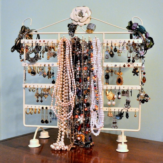 Here's a photo of Laine's jewelry stand.  Hint:  the accessory she's written about isn't on here.